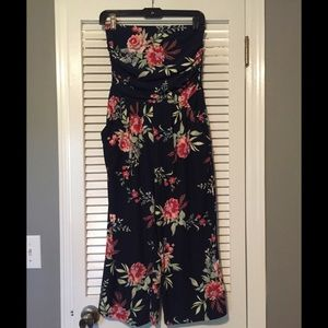 Navy blue floral romper with pockets size Small
